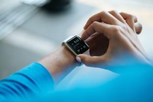 Symbolbild e-Mails schreiben für Smartwatches