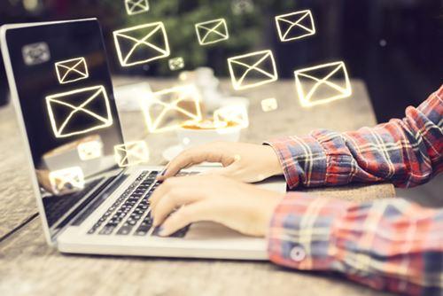 E-Mail Traffic: E-Mail im Alltag - ein wichtiges Kommunikationsmedium unserer Zeit